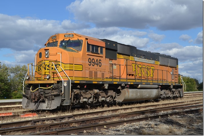 BNSF SD70MAC 9946. Ellis IL.