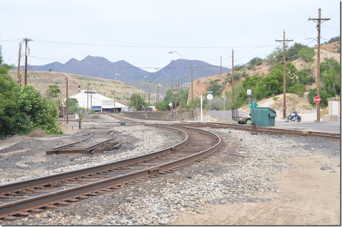 The rail up to the smelter looks fairly new! AZER junction with F-M. Miami AZ.