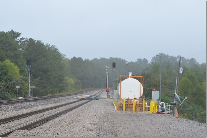 Looking south at the BNSF fuel pad at the south end of Quinton Yard. Palos would be around the curve.