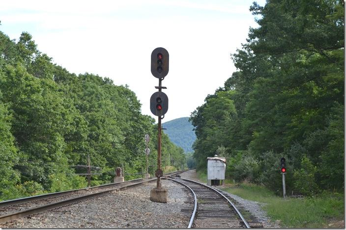 Buckingham Branch, looking east at the eb signal EE North Mountain.