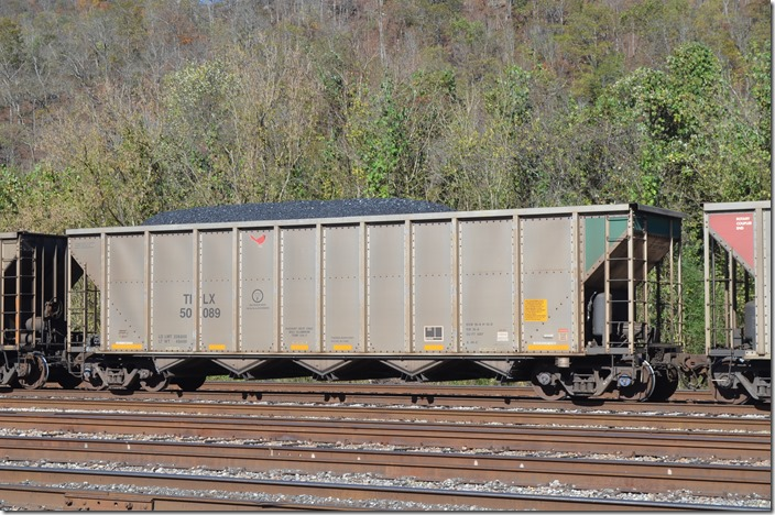 TILX hopper 50089 belongs to Trinity Industries Leasing Co. It was built by Trinity in 05-2009. Shelby KY. 11-03-2019.