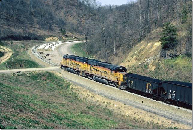 C&O 4271-4177 pushing. This all-C&O engine consist would soon change with the merging of SBD's roster with Chessie's. Coal Run SD.