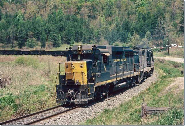 C&O 3043 on the Skyline Shifter with empties at Sublett KY. 05-10-1980. Dawkins Middle Crk SD.