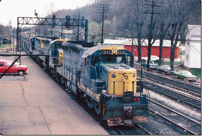 The coal hump SD18s pull by. View 2. RU Cabin.