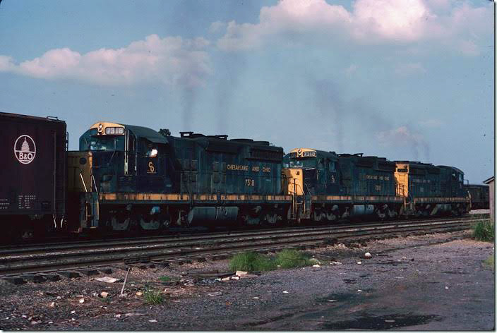 SD18s 7318-7310-7311. Wish I had shot the B&O boxcar. 08-27-1977. View 2. Russell '76-77.