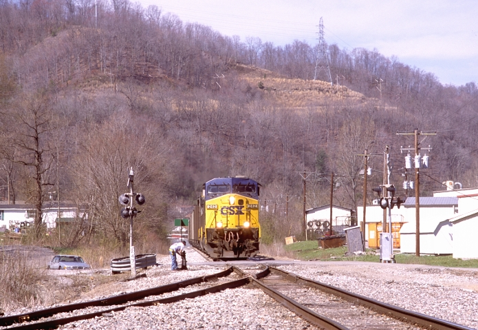 CSX 242 arrives at Dressen, the junction of the Catron's Creek Br. and the CV main just south of downtown Harlan.