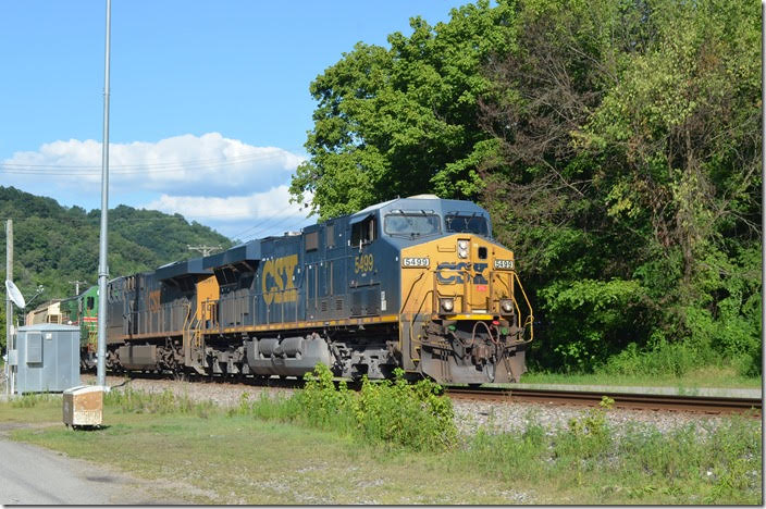 CSX 5499-3041-KLWX 81 have 29 cars of w/b manifest Q692 at Betsy Layne KY on 07-18-2018.