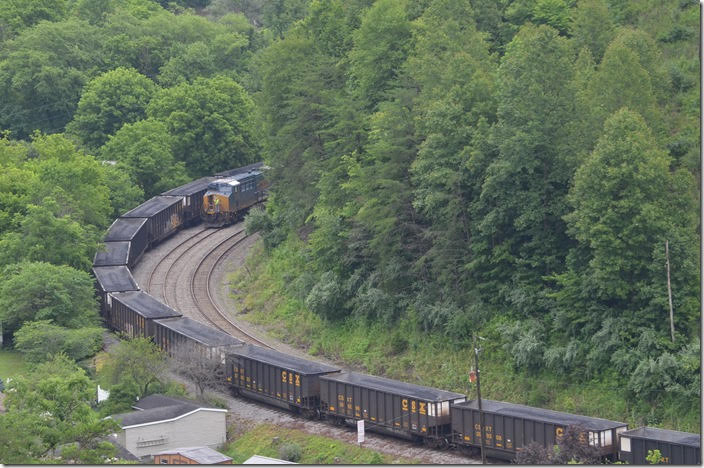 CSX 901. View 2. Bevins Branch Mine KY.