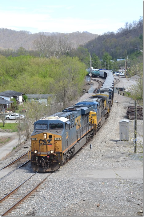 CSX 794-354-99 depart Shelby KY with Q692-03 on 04-05-2020. Today the freight has 34 loads and 40 empties, 4,307 feet in length.