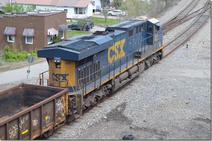 CSX DPU 856. Q692 has a DPU about a third of the time these days leaving Shelby KY for Russell. 04-05-2020.