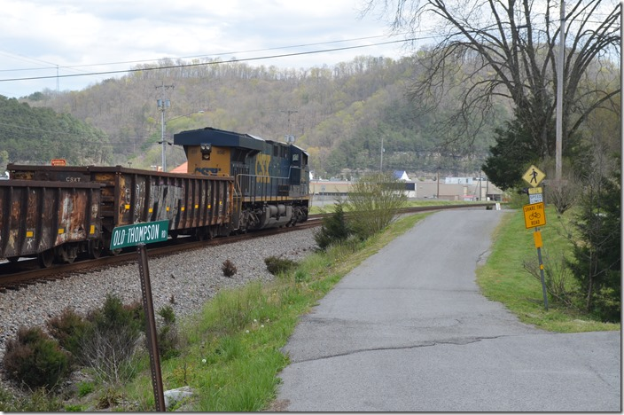 Passing the west end of Pauley KY (in front of our house). CSX 856 DPU.