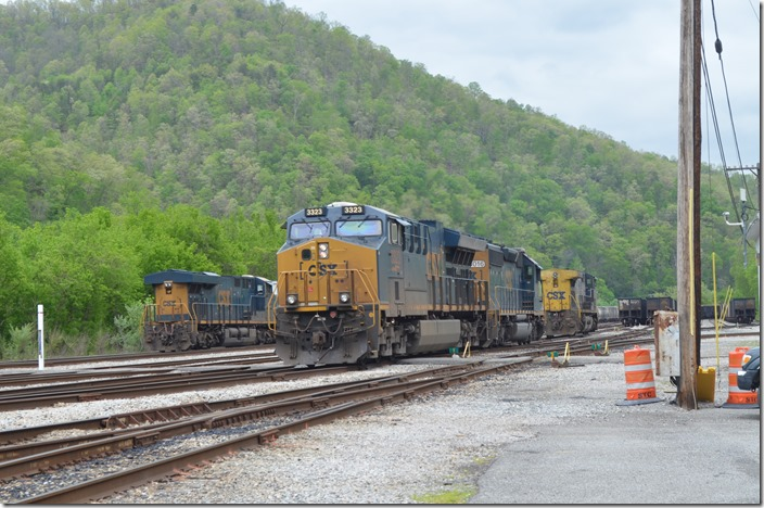 Q692 was instructed to set off 335. CSX 3323-8016-335. Shelby KY. 05-01-2020.