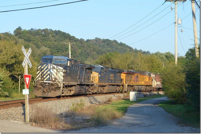 K446 rumbling through Betsy Layne KY. CEFX 1046-7765-UP 5442.
