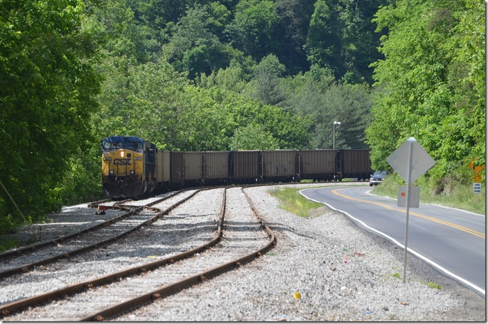 CSX 267-969 pull in a cut of VAPX and TILX empties.