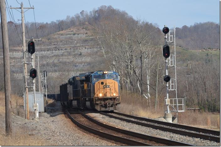 An empty e/b coal train behind CSX 4722-3327 slowly slips into Big Sandy passing siding at Zelda. Big Sandy WE.