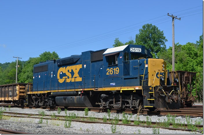 Work train headed by GP38-2 no. 2619. View 2.