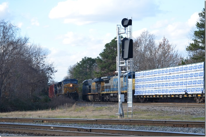 CSX 583-4805 arrives northbound (heading east toward Hamlet) off the Charlotte SD. Monroe NC.