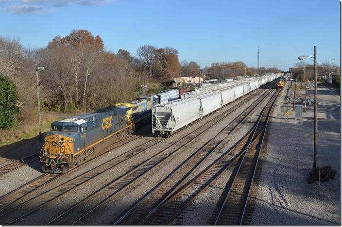 CSX 5457-748. Q667-07 (Hamlet to Atlanta) approaches. Monroe NC.