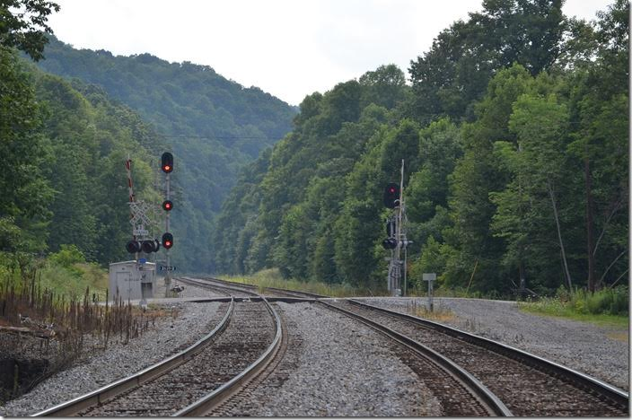 W0001-27 is still in the block. They would soon blink off. CSX signals West End WV.