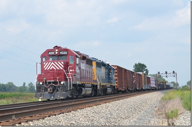 HLCX GP40 4225 and CSX GP40-2 6348 on e/b H792. View 2.