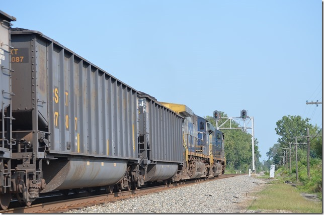 CSX 5282-49 with w/b T909-19. View 2.