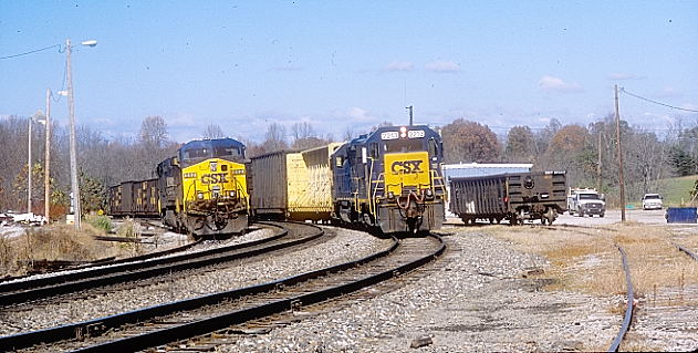 Perth. CSX 2213-6464 switch around East Bernstadt. This is the C705-07 called the 'London Switcher.'