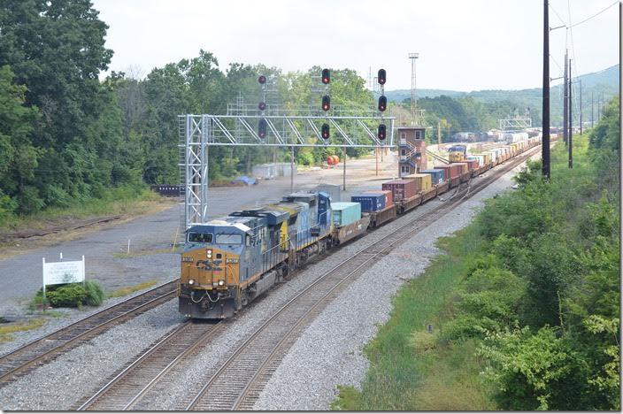 Q130-28 (Chicago-Driver, VA) with CSX 5361-7339 departs eastbound behind P030. Mexico MD.