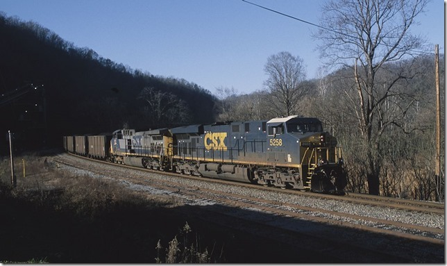 CSX s/b N406-09 behind 5258-157 with 110 GACX, FLCX, CEFX and CITX loads passing Levisa Jct.