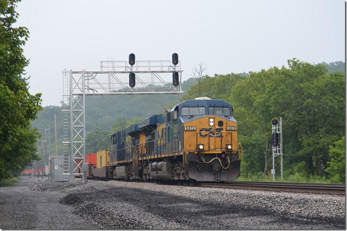 CSX 5372-5364 have w/b Q135-27 (Portsmouth VA – North Baltimore OH) with single stacks. Green Spring WV.