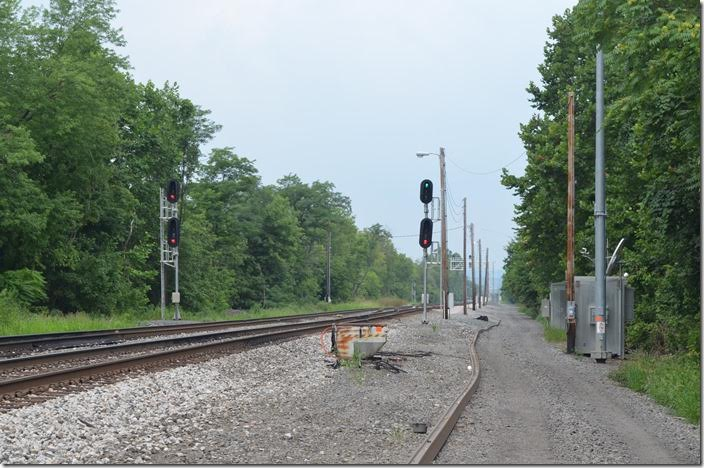 A westbound is waiting at Okonoko, and now he has the signal at Green Spring. CSX clear signal Green Spring WV.