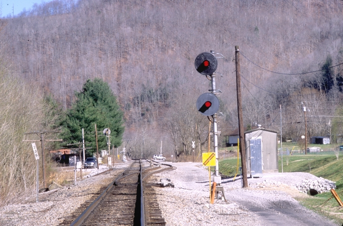 "Looking south toward Loyall and Harlan.  The CV used to have a lot of double track.  Trains are often parked on the siding.  The community is called ""Dayhoit."""
