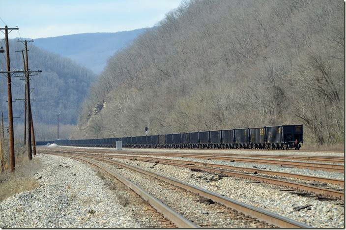 The entire train is in this view. CSX 3196-3124. View 4. Avis WV.