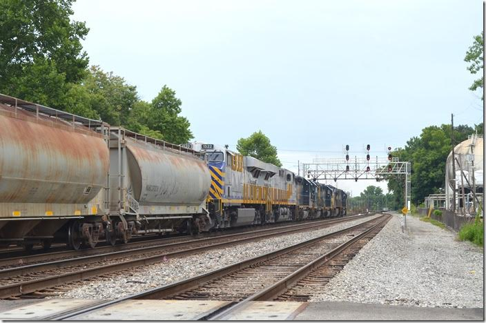 Q302 has a clear signal on Track 1 at NC Cabin. Track 3 in the foreground ends here. CREX 1518-1522-6158-2317.