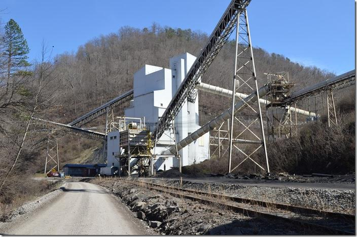 Kanawha Eagle Coal Co., a subsidiary of Patriot Coal, West Carbon mine at the head of Fields Creek on the Winifrede Railroad.