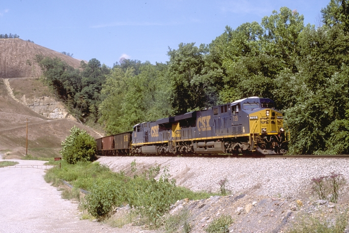 C640 heads up the Leatherwood Branch at Daisy, Ky. A surface mine is on the left.