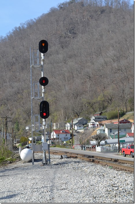 CSX Approach signal entering CTC at SW Cabin, Stollings.