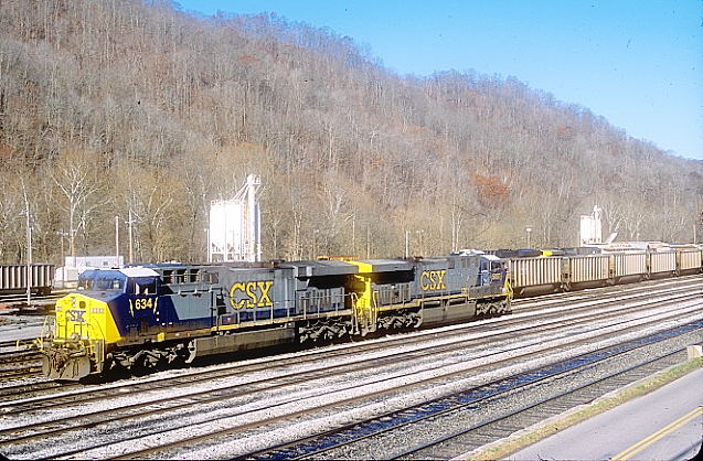 Peach Creek images taken at Logan and Coal River Nov. 18, 2011. AC60CW 634 and 5007 are parked near the yard office.