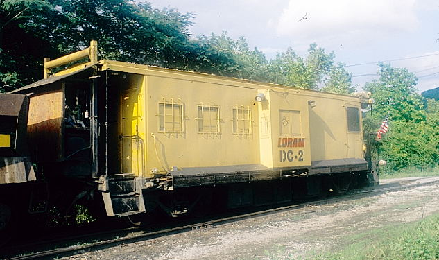 LORAM caboose with DC-2.