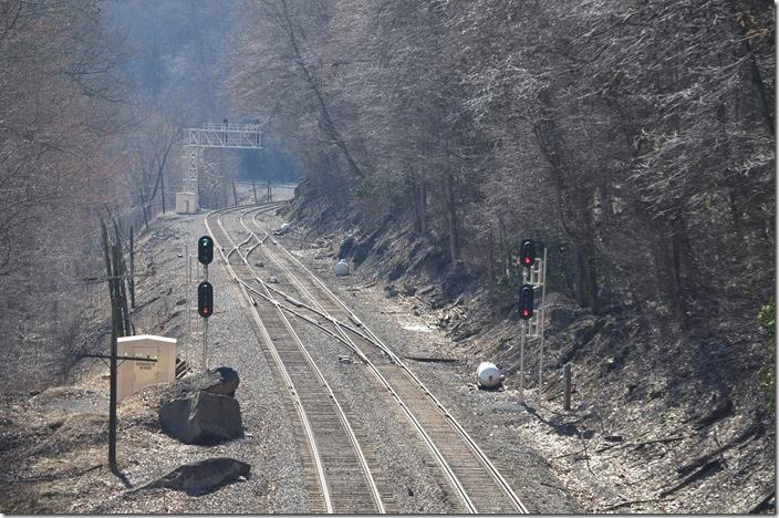 CSX clear signal on Track 1 for No. 50 at Cotton Hill. Sunday 03-28-2015.