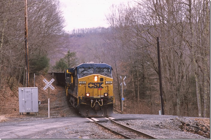 H800-28 was delivering 75 empty tubs to the Green Valley mine north of Quinwood. View 2.