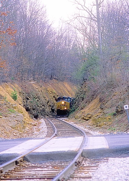 The summit gained, H802 pokes through the cut at Springdale before crossing the state highway.