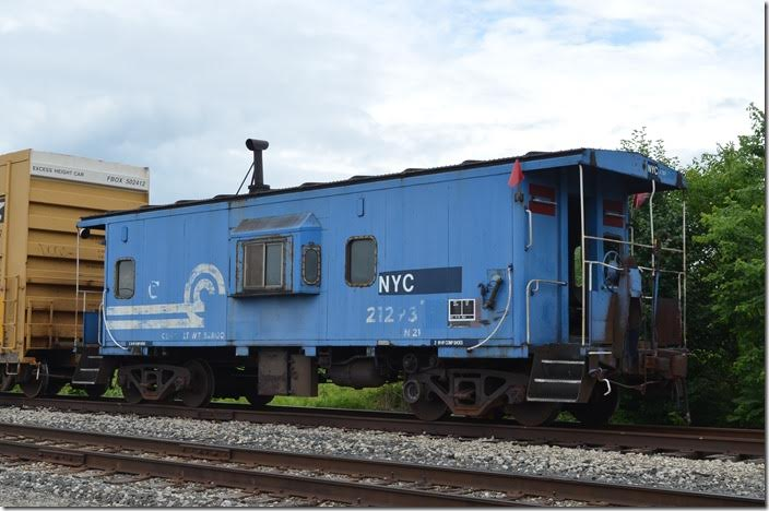 NYC, ex-CR, cab 21293 on the end of a local freight on what may have been the former Erie branch to Dayton. Marion OH. View 2.