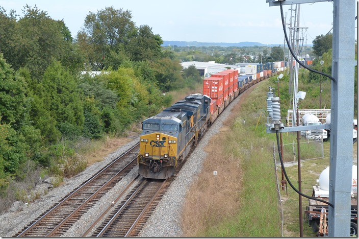 CSX 89-5265 with a 7,188-foot train of 320 axles.Bowling Green KY.