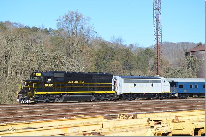 CRR acquired eight SD45s in a trade with SCL for their U36Cs, but their numbers went only as high as 3631. No. 3632 was originally SCL also, but I'm not sure of its owners since it left the CSX roster. Southern Appalachia Railway Museum in Oak Ridge TN did the wonderful repaint. CRR 3632-800. Shelby. View 2.