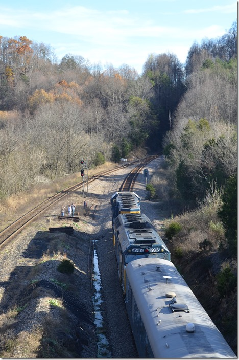 P907 has just finished its last stop at Waycross TN, and is only a few miles out of Kingsport. CSX Santa Train Frisco.