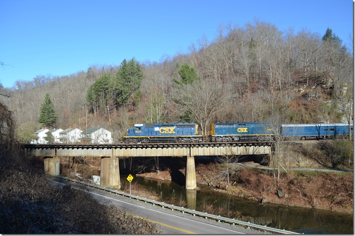 Leaving Clinchco VA. Next stop was Fremont. CSX Santa Train Clinchco.