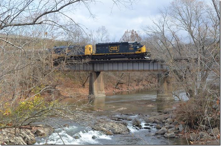 Crossing the Clinch River upon at St. Paul. NS only uses this segment of the Kingsport Subdivision now. CSX 4384. St Paul VA.