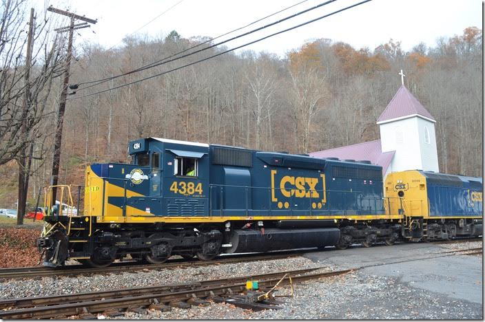 "CSX 4384 ""SD40-3"" awaiting the highball at Dante VA."