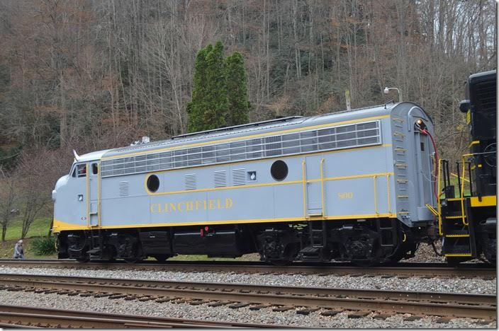 Eddie Bowers with Vintage Locomotives LLC owns 800 now.