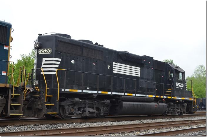 FURX GP38-2 5520. Shelby. View 3.